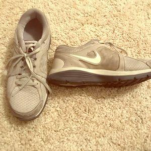 Nike grey shoes barley worn size 8